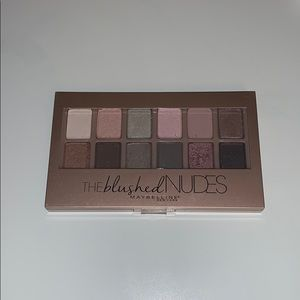 The Blushed Nudes Pallet
